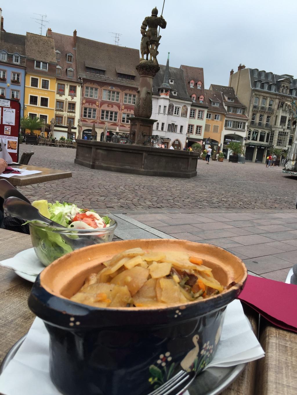 Baeckeoffe sur la place de la République à Mulhouse